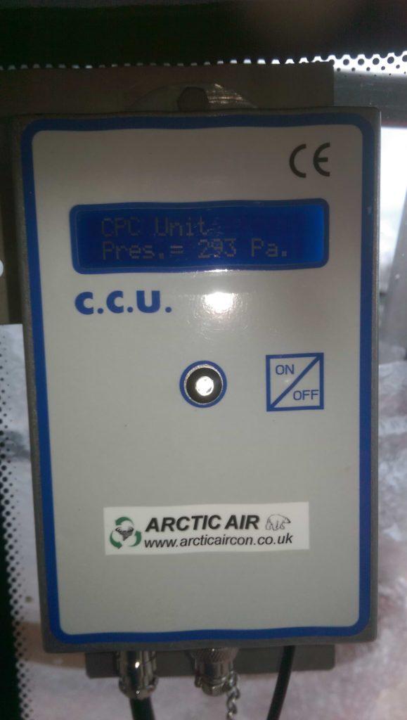 Cab pressure controller showing positive pressure